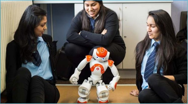 KHS student Usma interacts with Nao